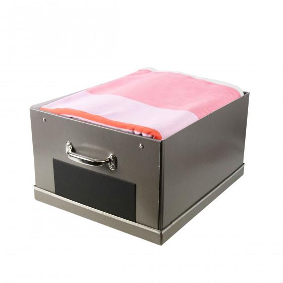 Grande boîte en carton taupe avec poignée métallique et ardoise frontale