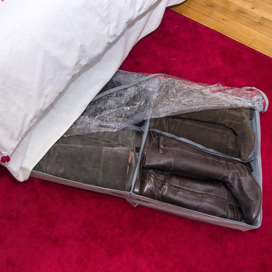 rangement bottes sous le lit rigide. Black Bedroom Furniture Sets. Home Design Ideas
