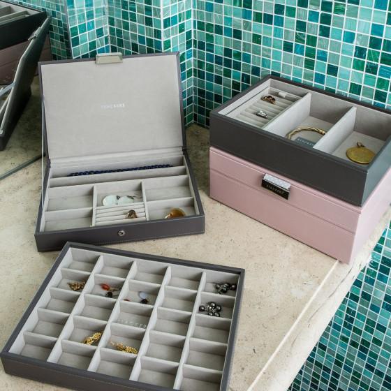 Boîte à bijoux avec couvercle rose intérieur gris