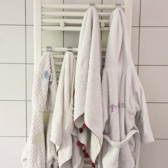 porte serviette crochet rn54 jornalagora. Black Bedroom Furniture Sets. Home Design Ideas