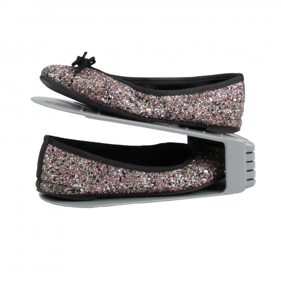 4 Range-chaussures en plastique gris clair