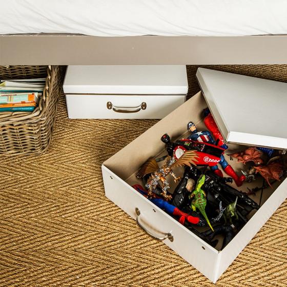 bo te en carton blanc rangement sous le lit. Black Bedroom Furniture Sets. Home Design Ideas
