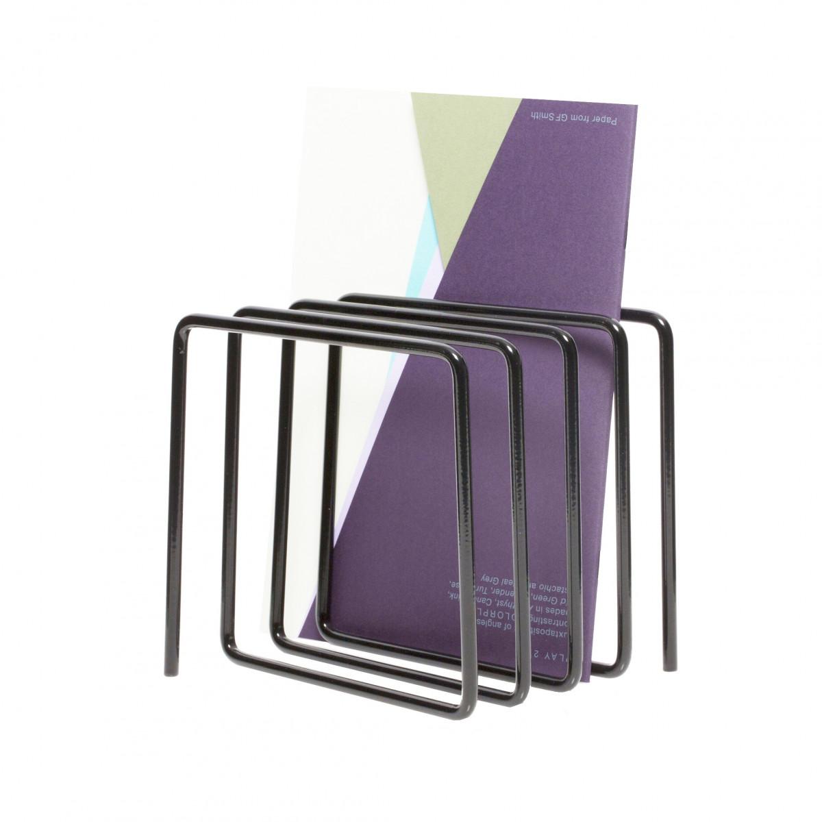 range courrier porte revues design noir. Black Bedroom Furniture Sets. Home Design Ideas