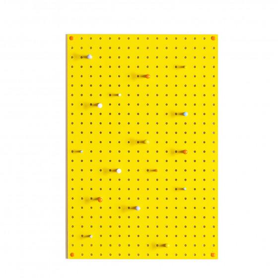 panneau perfor bois peint jaune vif rangement. Black Bedroom Furniture Sets. Home Design Ideas