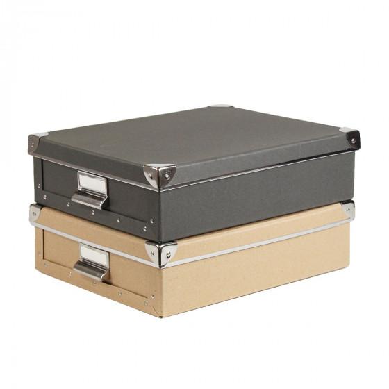 Boîte A4 en carton kraft avec poignée et coins métalliques