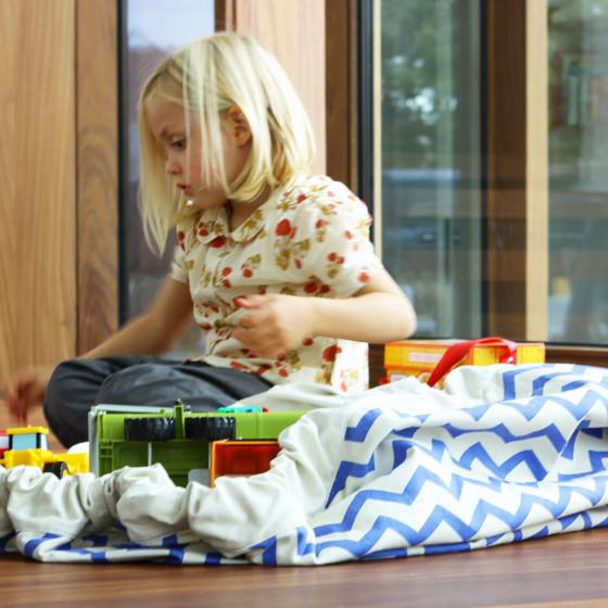 Tapis sac à jouets zigzag bleu