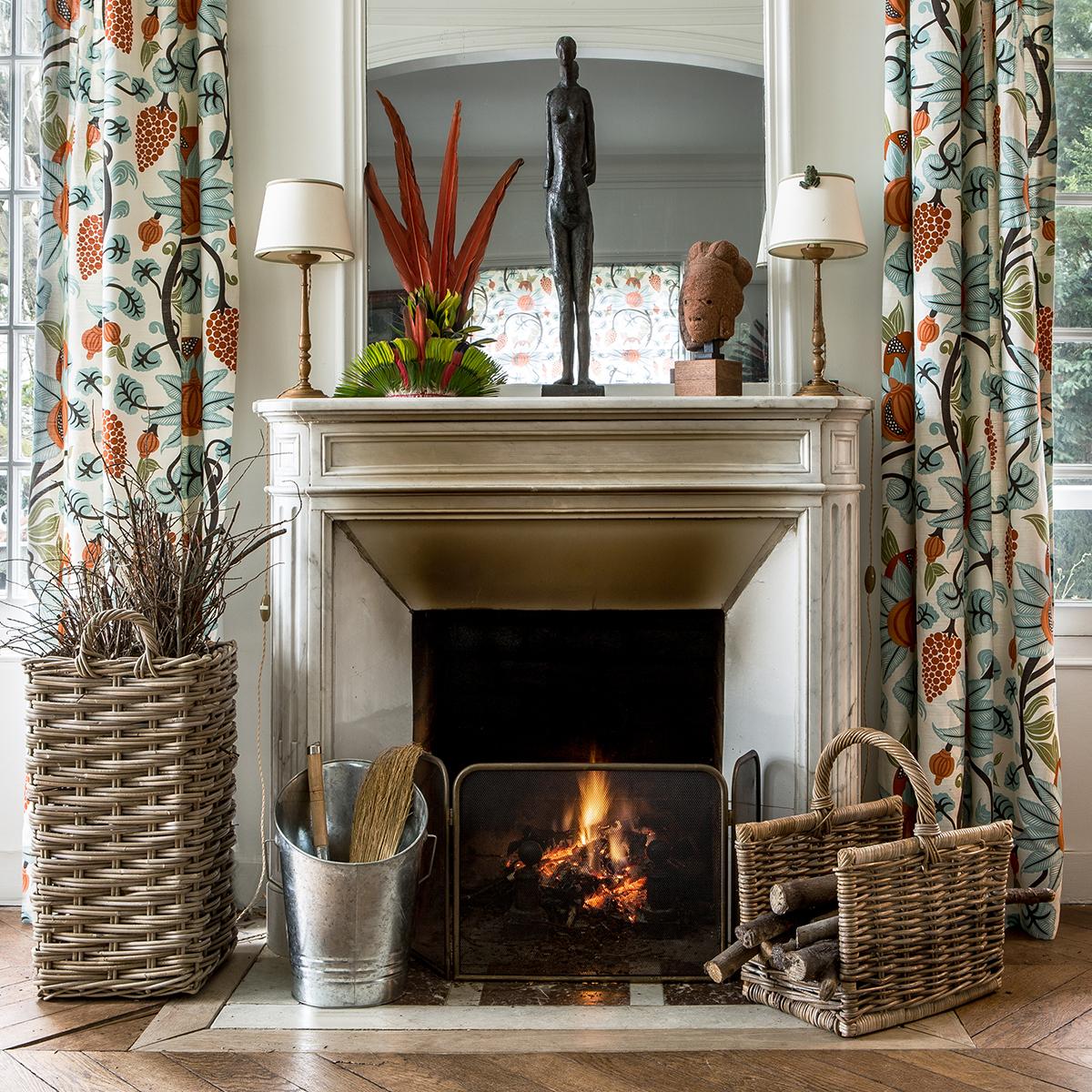 seau bois ou cendres en zinc rangement au coin du feu. Black Bedroom Furniture Sets. Home Design Ideas