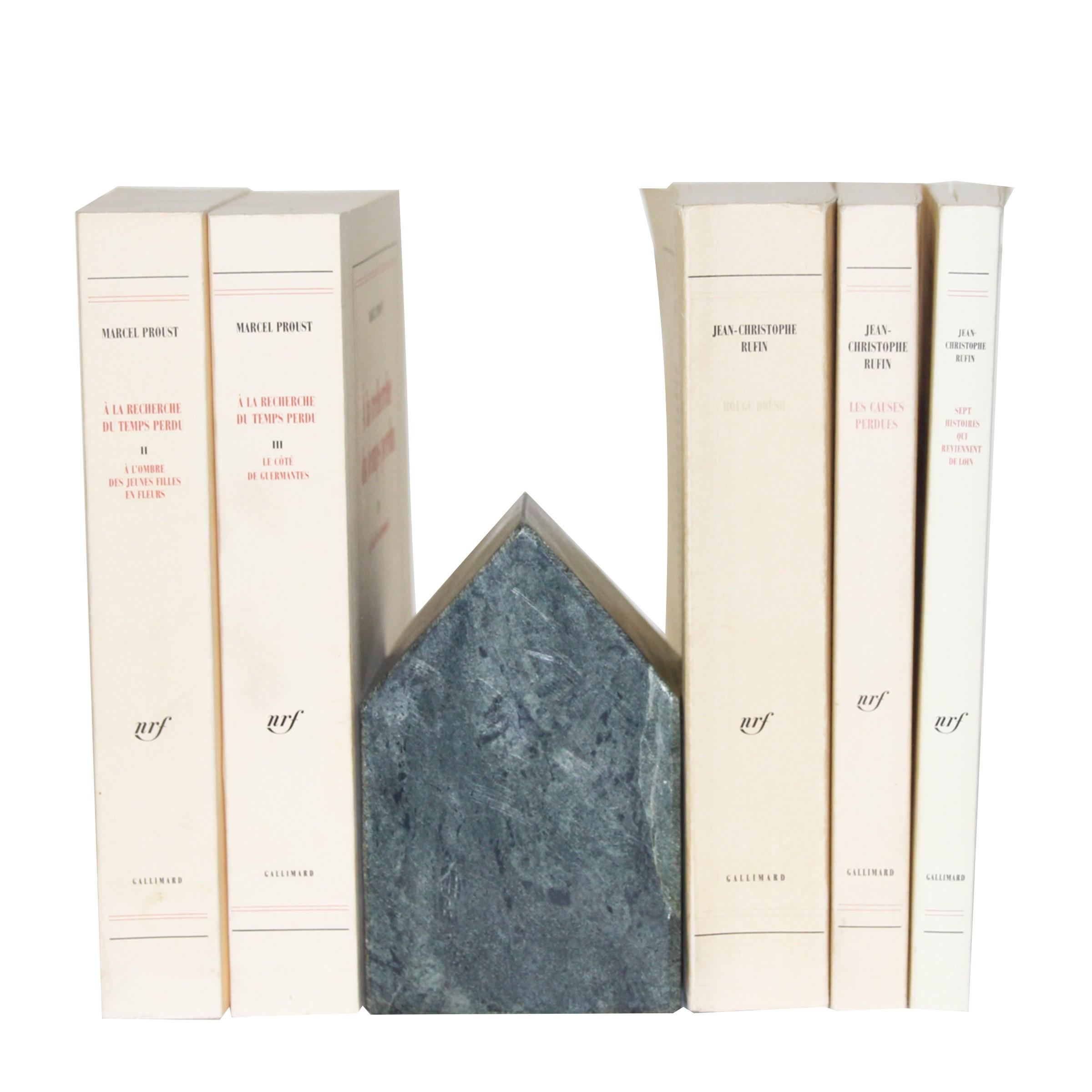 Serre-livres en marbre vert en forme de maison