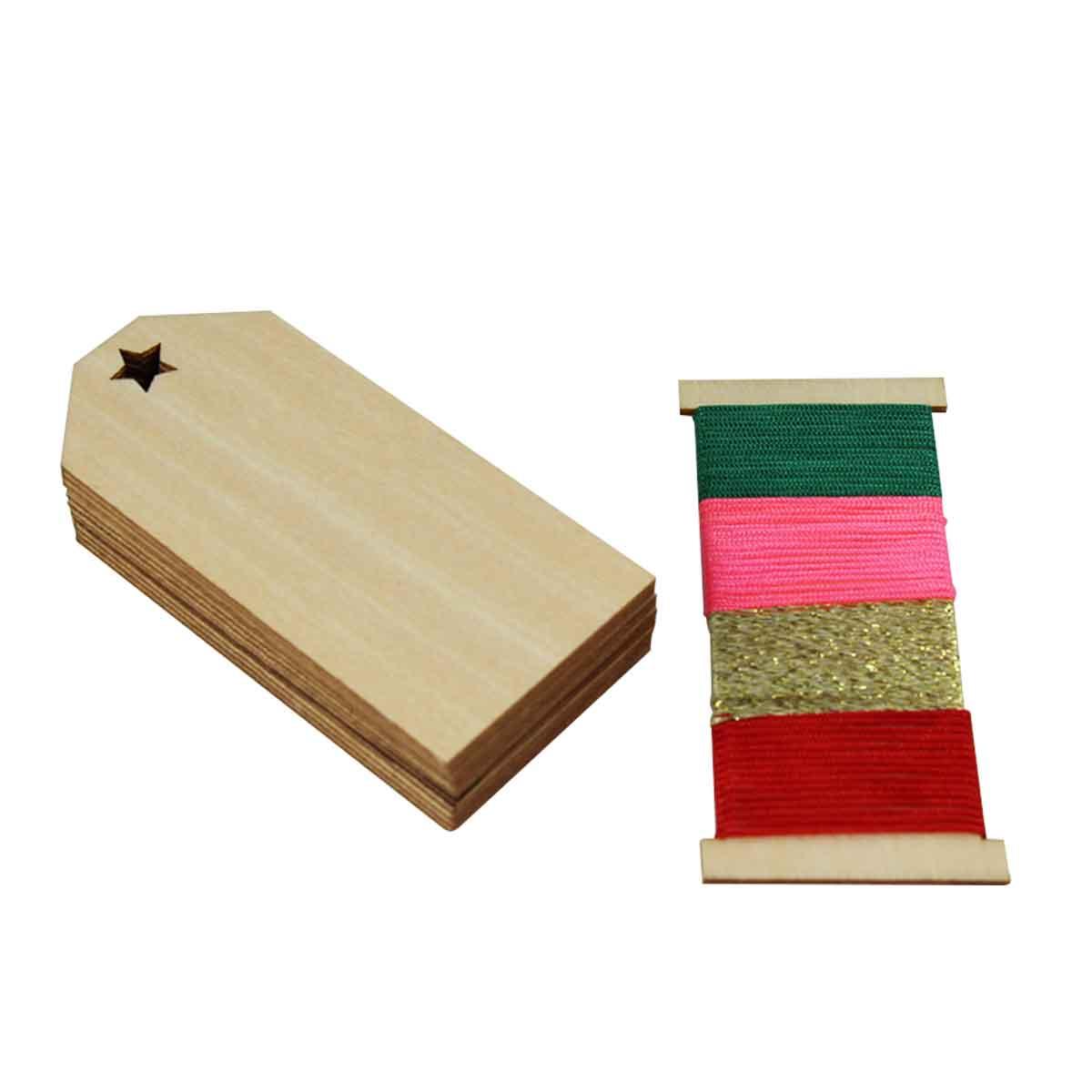 12 étiquettes en bois perforées avec ficelle colorée