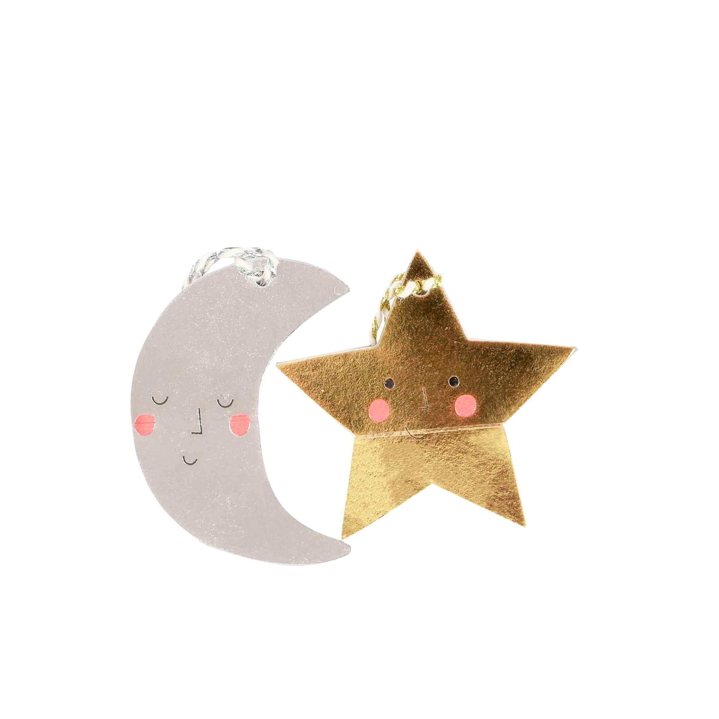 étiquettes de noël en forme d'étoiles ou de lunes pour paquets cadeaux