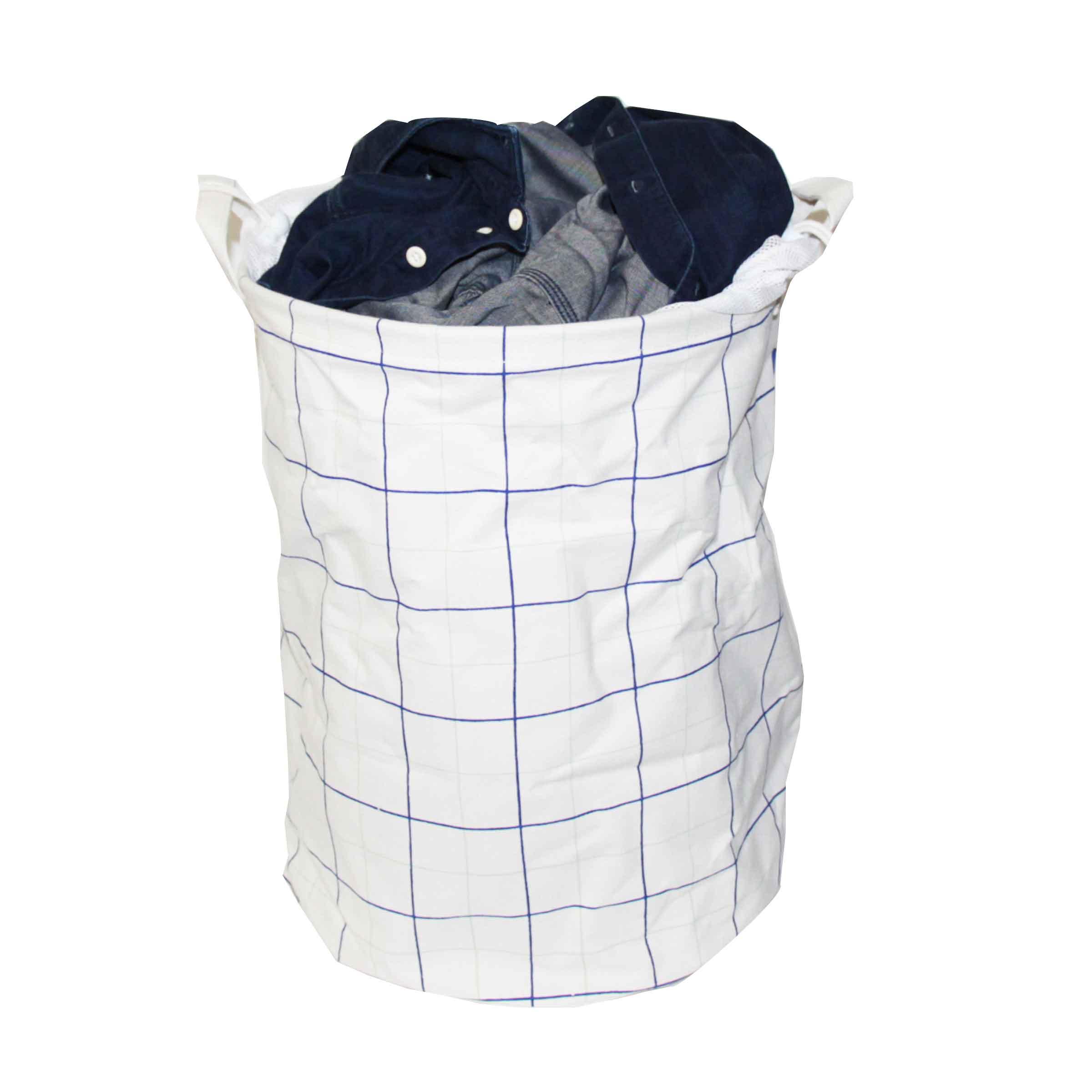 sac à linge souple en tissu blanc et grands carreaux bleus avec 2 poignées